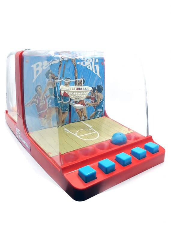 Auto score basketball
